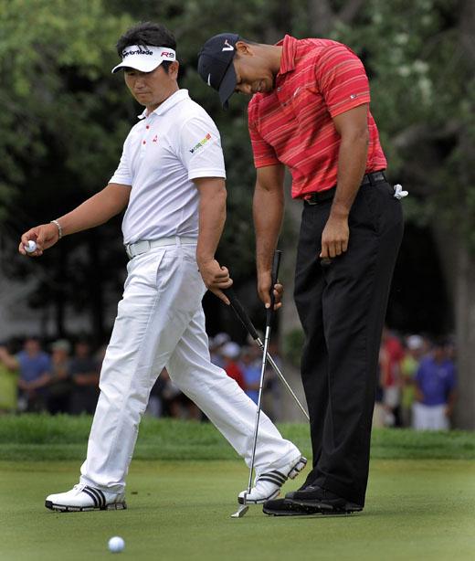 Y.E.Yang and Tiger Woods, USPGA 2009