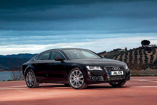 The striking lines of the A7 emphasize that coupe feel