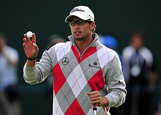 Adam Scott takes a four-stroke lead