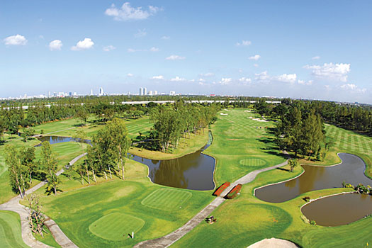 Muang Kaew Golf Course benefitted from a 2003 renovation by Schmidt & Curley