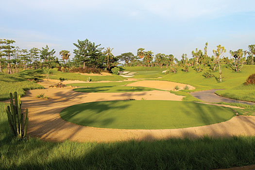 Imaginative bunkering is a feature at the revolutionary Nikanti Golf Club