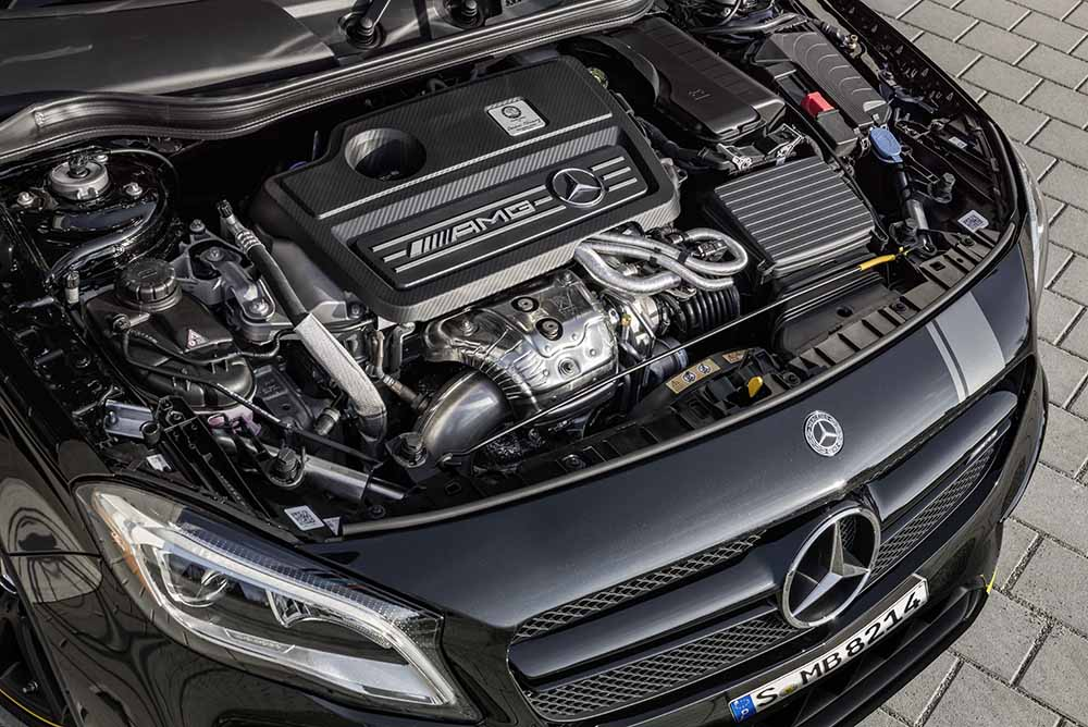 The extremely agile 2.0-litre four-cylinder turbo engine is a blend of thrilling performance and efficiency