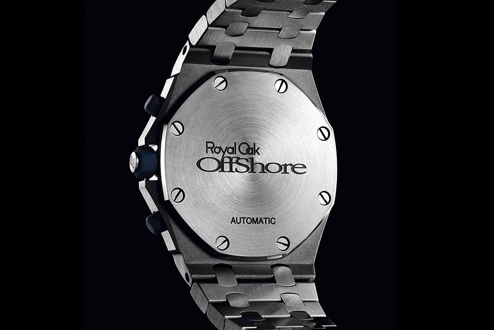 "The caseback features an engraved ""Royal Oak Offshore"" logo in the centre with the word ""AUTOMATIC"" underneath"