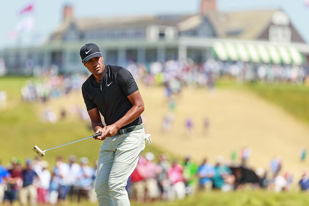 Tony Finau followed up Saturday's 66 with a 2-over 72
